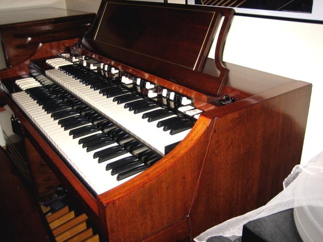 Hammond b3 Seriennummer datiert
